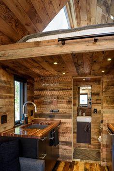 tipsy-the-tiny-house-seattle-vacation-spot-004