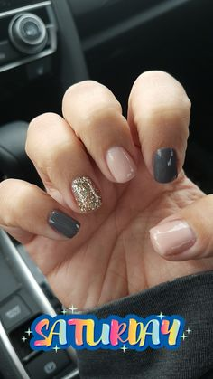 Jessica Nailed It October 2017 . Grey, Rose and Gold Glitter Nails Jessica Nailed Gray Nails, Rose Gold Nails, Trendy Nails, Cute Nails, October Nails, American Nails, Dipped Nails, Chrome Nails, Nagel Gel