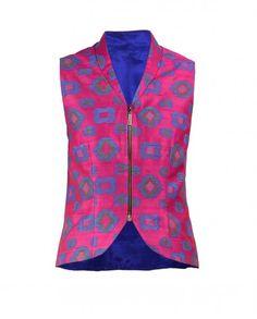 Magenta Sleeveless Ikat Jacket India Fashion, Fashion Wear, Fashion Outfits, Kurta Designs, Blouse Designs, Blouse Models, Jacket Pattern, Indian Designer Wear, Kurtis