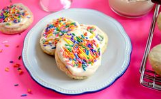 vegan soft batch sugar cookies!!!! Soft, sweet, and ready to eat—these cookies are addicting.