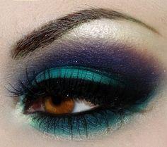 Turquoise & Purple eye make-up Purple Makeup, Love Makeup, Makeup Tips, Makeup Looks, Peacock Makeup, Purple Eyeshadow, Makeup Ideas, Turquoise Eyeshadow, Stunning Makeup