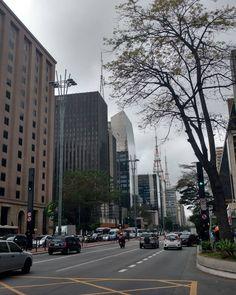Paseando por la Avenida Paulista #saopaulo #brasil #travel #wanderlust #cityscape #ciudad #urban #streets #calles #quinta #jueves #latergram