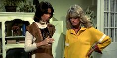 The Seance is on Charlies Angels 76-81 -...