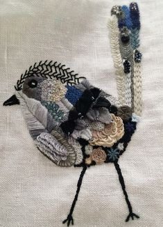 D o k n o m m e a w ~ Beautiful hand embroidered bird ~ needlework ~ hand… Embroidery Applique, Beaded Embroidery, Cross Stitch Embroidery, Embroidery Patterns, Machine Embroidery, Fabric Art, Fabric Crafts, Fabric Design, Diy Crafts