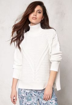 Make Way Raquel Sweater White - Bubbleroom