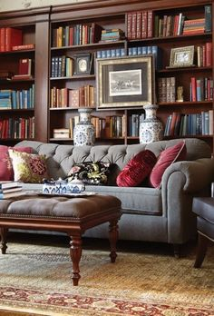 When homeowners invite guests and company into their home typically the first thing that visitors see is the living room, or family room, of the house. Unless there is a foyer before the living roo… Living Room Decor, Living Spaces, Living Rooms, Bibliotheque Design, Home Libraries, Deco Design, Traditional House, Traditional Bookshelves, Traditional Decorating