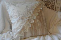 housse de coussin romantique : Textiles et tapis par ismerie21