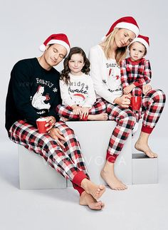 133498e032 Bear Family Matching Christmas Pajamas (1031247141)