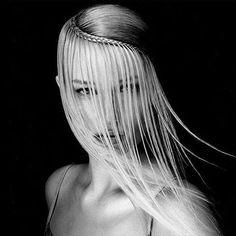348 отметок «Нравится», 5 комментариев — Estetica Magazine USA (@esteticausa) в Instagram: «Not your average braid...  by @seminaraangelo #esteticalikes #hairfashion #braidideas»