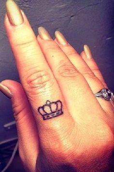 28 Tiny Finger Tattoo Ideas - Cosmopolitan.com