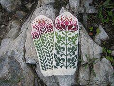 Lotus Mittens  by Natalia Moreva
