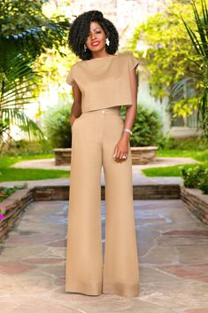 Style pantry linen crop top + linen high waist wide legs fashion in 2019 fa Rave Outfits, Classy Outfits, Chic Outfits, Dress Outfits, Fashion Dresses, Style Pantry, Work Fashion, Fashion Design, African Print Fashion