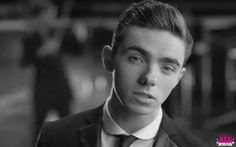 Nathan looks so gorgeous in Show Me Love! Nathan Sykes from the wanted Nathan Skyes, The Wanted Band, Sid The Sloth, I Love America, Show Me, Hello Beautiful, Cute Guys, Cool Bands, Love Him