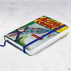 CADERNETA DE ANOTAÇÃO SUPERMAN DC COMICS Caderneta tipo moleskine estampada com superman. São 100 folhas não pautadas