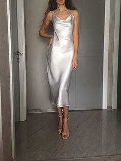 White Satin Dress, Satin Midi Dress, Silky Dress, Satin Dresses, Slip Dress Outfit, Long Slip Dress, Black Slip Dress, Cowl Neck Wedding Dress, Slip Wedding Dress