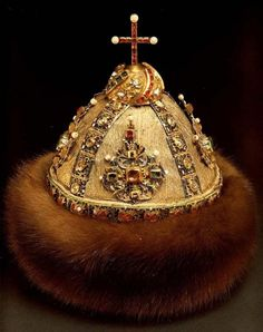 Russian Royal Headdress, 14th-17th Century: Altabasnaya (Sibir) Cap [Mid 17th Century gdfalksen.com
