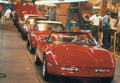 The first Corvette convertibles in 11 years left the Bowling Green assembly   line starting in early 1986, an exciting, nostalgia-filled occasion for workers and Corvette fans alike.