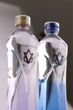 FonteVita: Best bottle in PET at World Beverage Innovation Award! If the reply is yes, pin it :) Bottle Packaging, Bottle Labels, Vodka Bottle, Plastic Bottle Design, Water Bottle Design, Natural Mineral Water, Water Logo, Wine Design, Pet Bottle