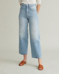 Wide leg cropped style jeans with a vintage look made with a non-stretch cotton twill. Personal Shopping, Cool Suits, Jeans Style, Vintage Looks, Designing Women, Bath And Body, Wide Leg, Mom Jeans, Light Blue