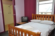 Romantic Accommodation at Blue Mountain, #katoomba. We Provide Room Separately And Group Also.