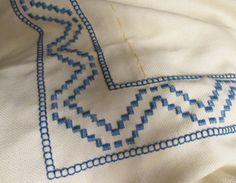 Hardanger tablecloth-corner match