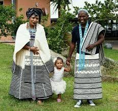 Photos of Traditional Xhosa Wedding Photos: South African + Traditional + Wedding + Dresses African Wedding Theme, African Wedding Attire, African Attire, African Traditional Wear, African Traditional Wedding Dress, Traditional Outfits, African Dresses For Women, African Print Dresses, African Men Fashion