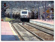 Estación Valladolid Campo Grande. ADIF.  Locomotora 333 RENFE.