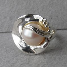 Exquisite Vintage Hagit Gorali Israel Sterling Silver Cultured Pearl Calla Lily Ring