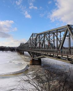 The steel truss cantilever bridge spanning the #OttawaRiver between #Ottawa #Ontario and #Gatineau #Quebec.