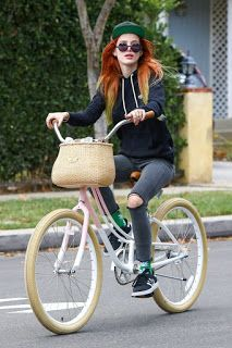 Bella Thorne In Ripped Jeans Riding A Bike In Sherman Bella Thorne, Disney Channel, Shake It Up, Celebrity Workout, Old Actress, Tween Girls, Celebs, Celebrities, Ripped Jeans