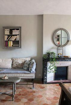 Living Room Flooring, Kitchen Flooring, Grey Flooring, Painting Tile Floors, Terracotta Floor, Floor Seating, Leather Furniture, Cool House Designs, Grey Walls