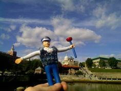 Mr. Rooter is out sightseeing! Where do you think he is?