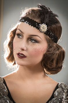 Her Ladyships Feather Headband Flapper Headpiece, Flapper Headband, Flapper Costume, Vintage Hairstyles, Cool Hairstyles, Beach Hairstyles, Hairstyles Haircuts, Wedding Hairstyles, 1920s Makeup Tutorial