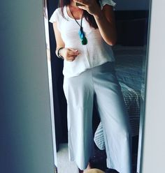 "56 Likes, 2 Comments - Fiore (@ourdailylifeinpicss) on Instagram: ""Been living in these cropped pants lately ❤ #me #mirrorselfie #mirrorpic #instamum #mumstyle #ootd…"""