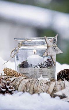 Easy Christmas Candle Displays for Christmas 2015 Table Decoration Noel Christmas, Christmas Candles, Country Christmas, Christmas And New Year, All Things Christmas, Winter Christmas, Christmas Crafts, Christmas Decorations, Natural Christmas