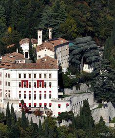 Castelbrando Hotel - Schlosshotel. Venetien. Cison di Valmarino, Italien