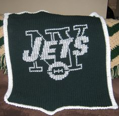 New York Jets blanket Loom Knitting Blanket, Knitted Blankets, Crochet Granny, Knit Crochet, Crochet Afghans, Afghan Blanket, New York Jets, Crochet Projects, Projects To Try
