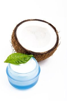 Coconut oil! & its many benefits and why it should replace mineral oil in your skincare regime.