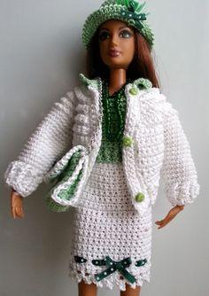 vêtement pour poupée mannequin Barbie (160)                                                                                                                                                      Plus