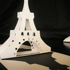 Eiffel Tower Pop Up card by intertwingle, via Flickr