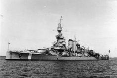 HSwMS Sverige lead ship of her class coastal battleship defense ship of the Swedish Navy during WWII. Swedish Navy, Merchant Marine, Submarines, Aircraft Carrier, Royal Navy, Battleship, Sailing Ships, Military Vehicles, Wwii