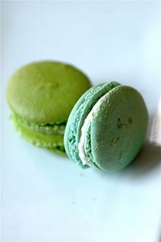 Sea Green and Light Teal French Macarons Macarons, Meringue, French Macaron, Macaroon Recipes, French Pastries, Beautiful Cakes, Afternoon Tea, Love Food, Sweet Tooth