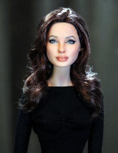 Angelina Jolie Barbie by Noel Cruz Mattel Barbie, Barbie Dress, Barbie Clothes, Angelina Jolie, Barbie Celebrity, Realistic Dolls, Polymer Clay Dolls, Doll Repaint, Barbie Friends