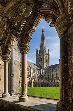 Norwich Cathedral - Wikipedia, the free encyclopedia