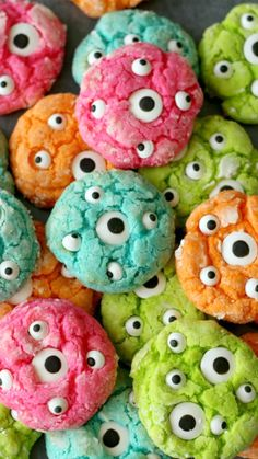 Gooey Monster Eye Cookies Recipe Great for a monster birthday party or Halloween…