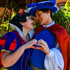 Disney Couples, Disney Parks, Walt Disney World, Disney Pixar, Disneyland Face Characters, Disney Characters Costumes, Disney Dream, Disney Love, Disney Magic