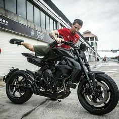 Street Fighter Motorcycle, Futuristic Motorcycle, Motorcycle Types, Scrambler Motorcycle, Moto Bike, Motorcycle Design, Bike Design, Cafe Racer Moto, Cafe Racing