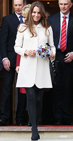Look of the Day photo | White Out Kate Middleton's Maternity Style
