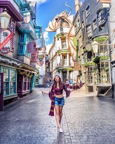 A trip to Florida just wouldn't be complete without a visit to Universal Studios. Disney Vacations, Disney Trips, Disney Parks, Cute Disney Pictures, Disney World Pictures, Universal Studios Japan, Universal Orlando, Harry Potter Universal, Harry Potter World