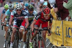 Cadel towing the peleton  2012 tour-de-france photos stage-01